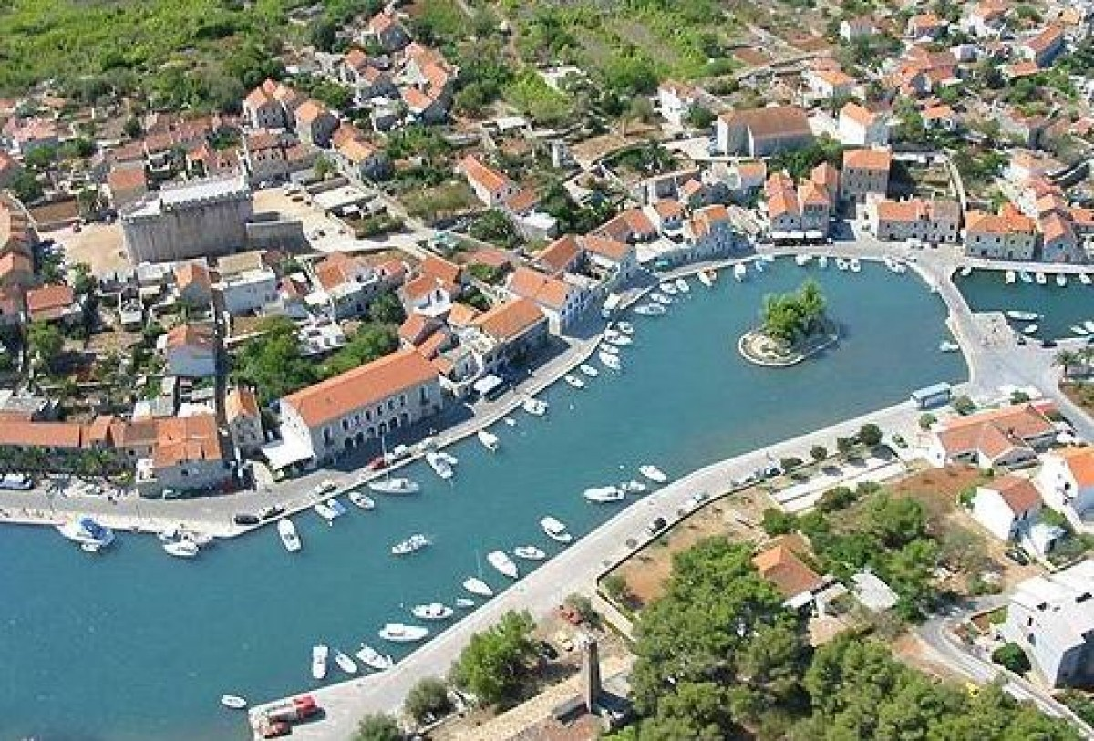 Vrboska island hvar photos info tips attractions for Hvar tourismus